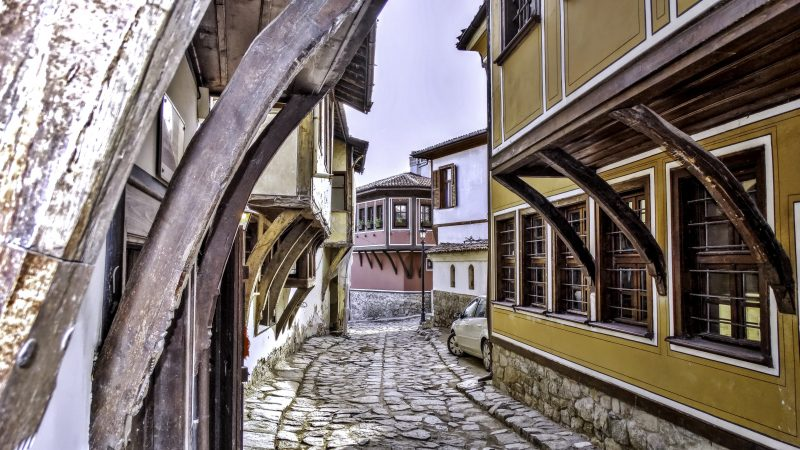 old town, cobble stones, street image, vintage architecture